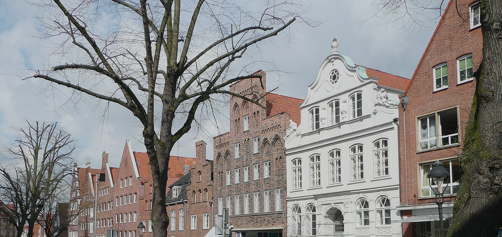 01-buddenbrookhaus-mengstrac39fe-4-23552-lc3bcbeck-germany_1.png