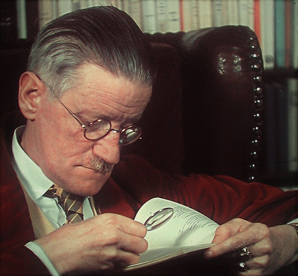James_Joyce_Cover_Times_Magazine_with_magnifying_glass_1939.jpg